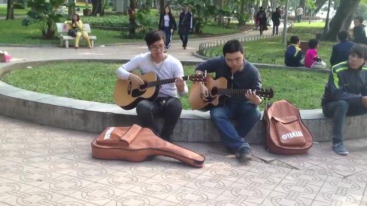 Best street musicians in Hanoi Vietnam
