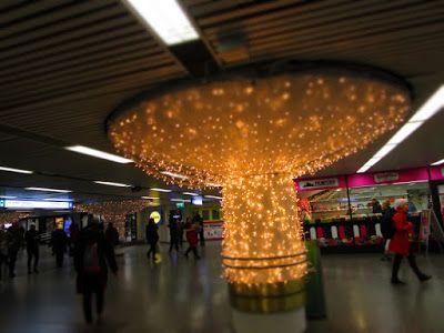 Helsinki blogi: Valoja Helsingin rautatieaseman alla
