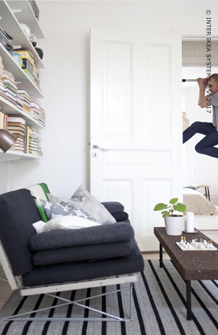 Nouvelle année…Nouvelles règles ! Cette année, abandonnez les règles de décoration classique et faites le plein de souvenirs à travers des tas d'histoires dans votre maison. ! Laissez-vous inspirer par nos idées pour vous sentir bien dans votre intérieur. Tapis RASKMÖLLE, texture lisse, 149, - / pièce  #IKEABE #IKEAidée  New year … new rules! Break the traditional decorating rules and create a home full of memories with things that have a story. Get inspired by our ideas. #IKEABE #IKEAidea