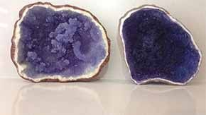 All you need is sugar, water, food coloring, and fondant (a type of icing) to make rock candy that looks exactly like an opened geode. - See more at: http://www.futchduck.com/view/215/rock-candy-edible-geode#sthash.MtpDx54h.dpuf