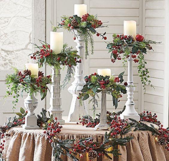 A decoração da mesa natal é um detalhe importante na quadra que atravessamos. Pois bem, tem aqui um verdadeiro bombardeio de mesas e d...