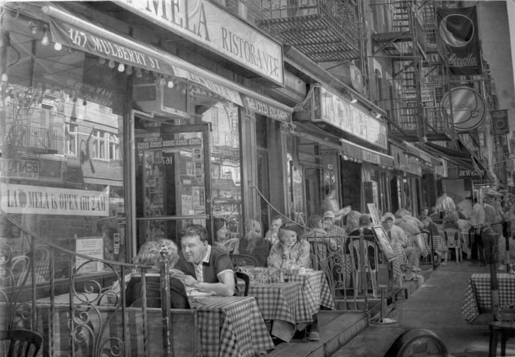 Seem's too realistic to be a drawing.  Truly unbelievable detail!  Paul Cadden's Unbelievably Photorealistic Drawings (PHOTOS)