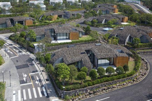 Art Villas, Bloco D: Kengo Kuma projeta casas com coberturas de rocha vulcânica na Coréia do Sul