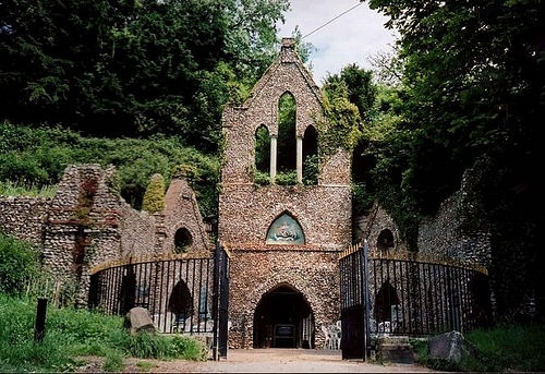 Hellfire Caves, meeting place of the Hellfire Club, built in the 18the century by Sir Francis Dashwood
