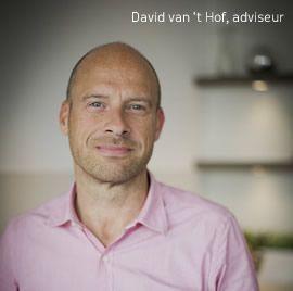 """David van t Hof, adviseur """"Al 25 jaar zijn we het adres voor uw keuken! Kom langs in de showroom voor advies."""""""