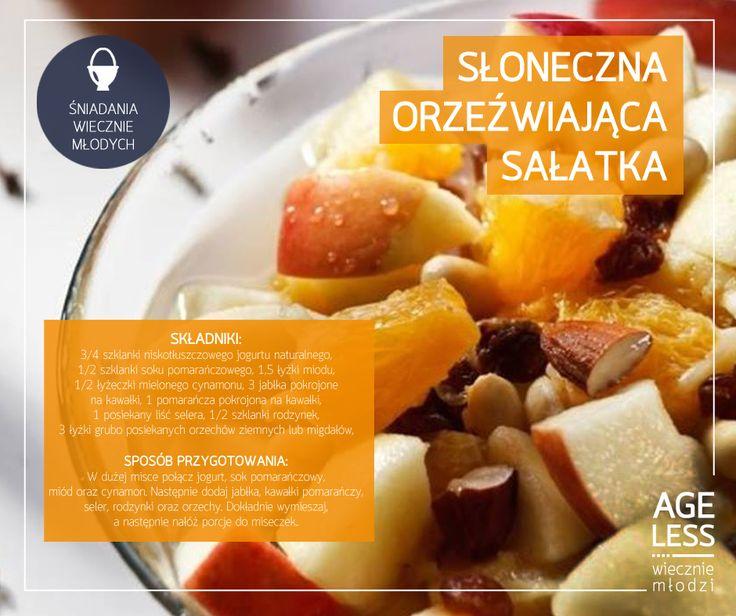 """Za oknem już upały - dlaczego by nie orzeźwić się w naturalny sposób, a jednocześnie urozmaicić nudne śniadanie? W ramach serii """"Śniadania Wiecznie Młodych"""" przedstawiamy przepis na promieniejącą orzeźwieniem, letnią sałatkę :) #ageless #wieczniemlodzi #wiecznamlodosc #salatka #jablka #cynamon #pomarancze www.ageless.pl"""