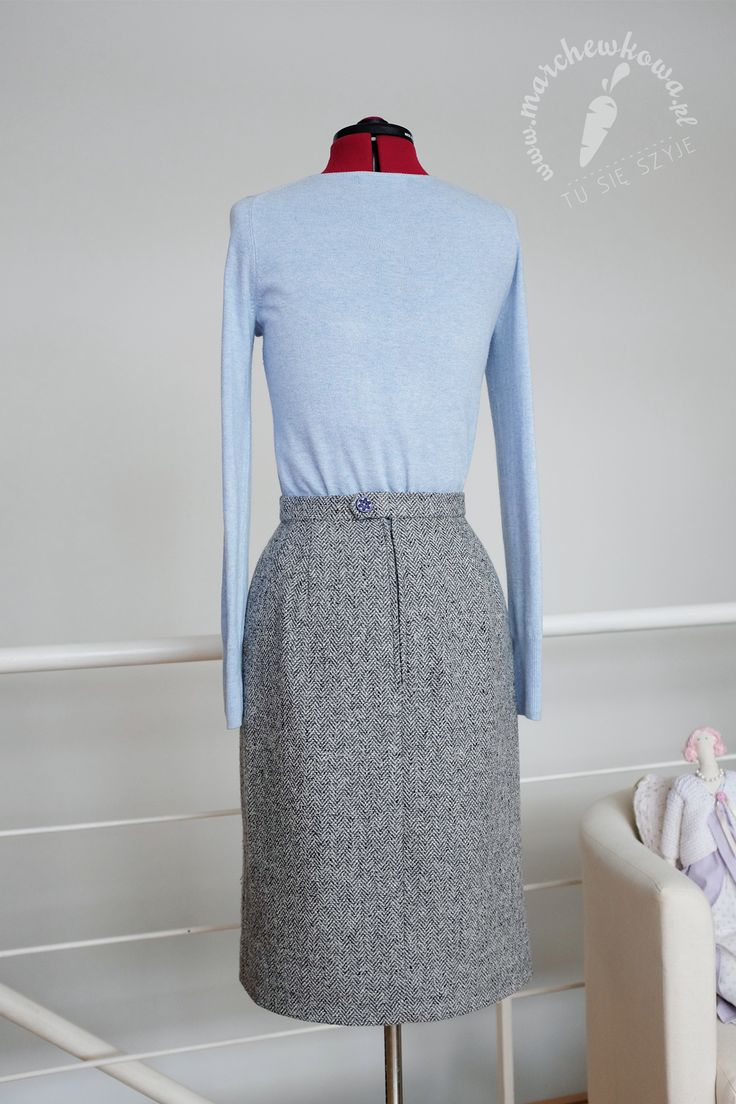 1960s style secretary skirt: made by me Pattern: Patrones 12/2016 Fabric: upcycled wool (I've used plus size wool pants bought at a second-hand shop). Lining: Allegro.pl