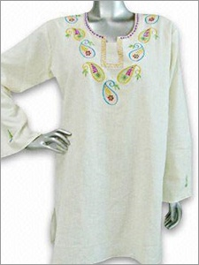 Cotton top with machine embroidery