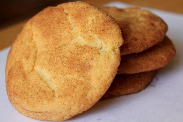 Ζάχαρη και κανέλα: τα πιο τραγανά μπισκότα