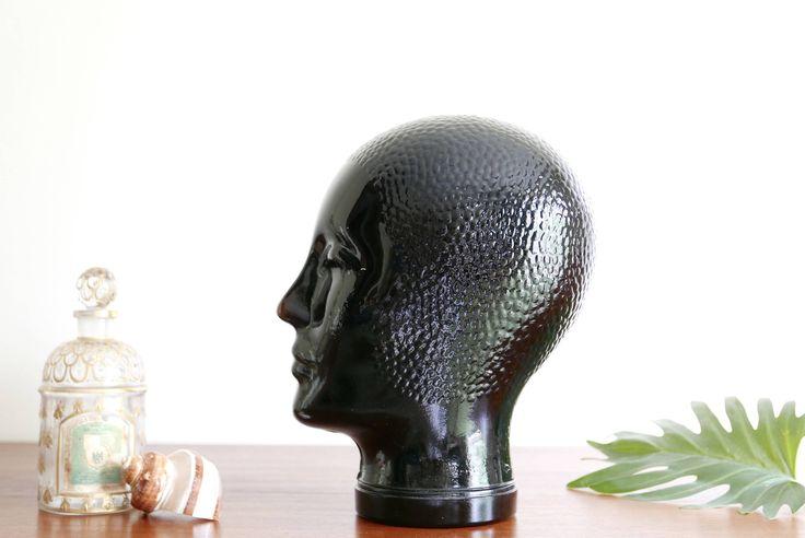 Testa di manichino in vetro nero di Piero Fornasetti, cappello rack, made in Italy 70 1970 vintage anni di lestrictmaximum su Etsy https://www.etsy.com/it/listing/518509708/testa-di-manichino-in-vetro-nero-di