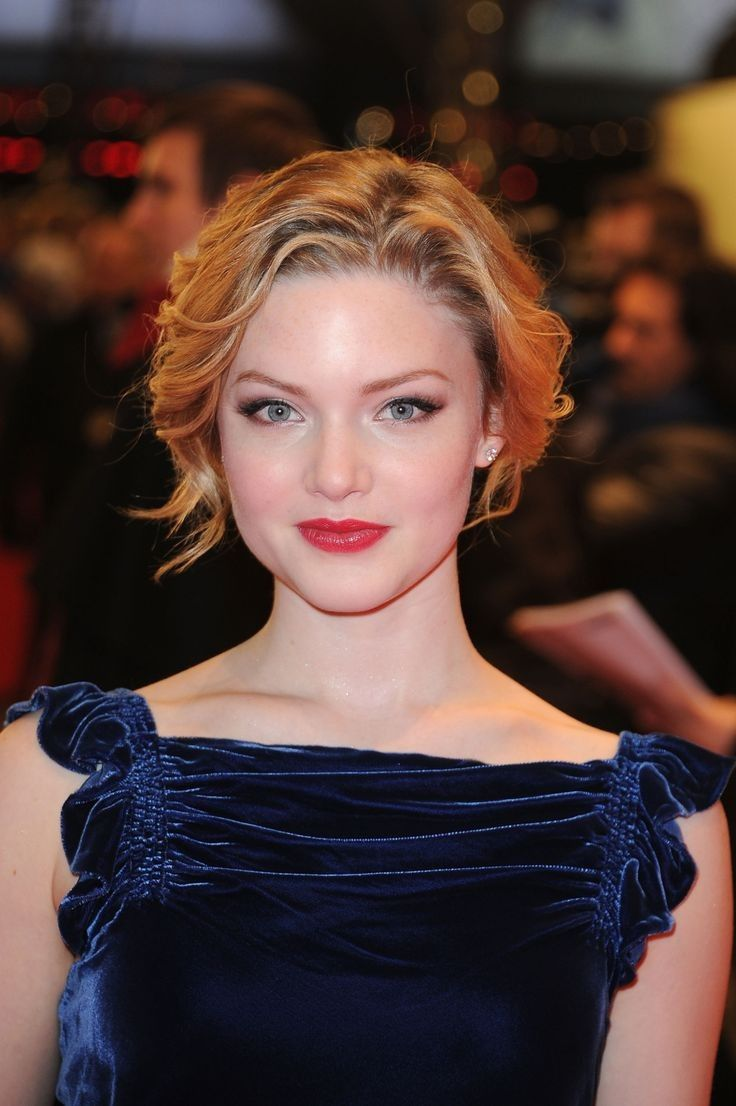 Cleavage Holliday Grainger naked (22 foto and video), Ass, Cleavage, Twitter, panties 2019