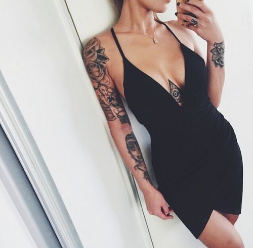 More Hot Tattoo Girls at http://itsall1nk.tumblr.com