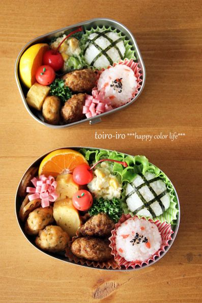 Japanese Bento Box Lunch お弁当 could use cupcake papers to hold rice