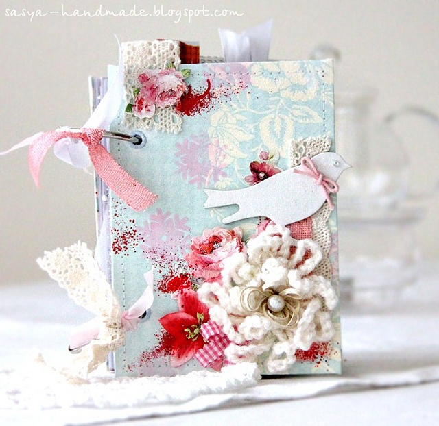 Such a splendidly sweet, cheerful mix of pink, white, red and soft blue on this beautiful shabby chic mini album. #shabby #chic #pink #red #aqua #bird  #mini #album #paper_crafting #scrapbooking #handmade #craftsMinialbum Sweden, Minis Album, Chic Minis, Red Aqua, Adorable Scrapbook, Mini Albums, Book Covers, Shabby Chic Pink, Handmade Crafts