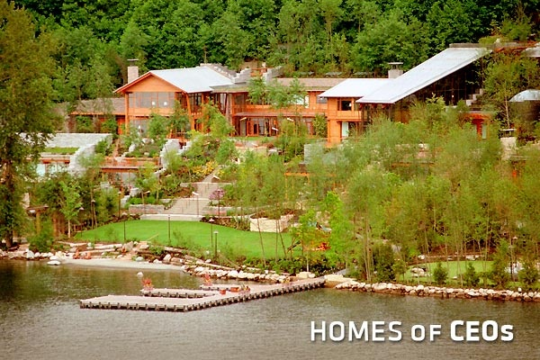 Homes of ceos bill gates gates and seattle for Washington home builders