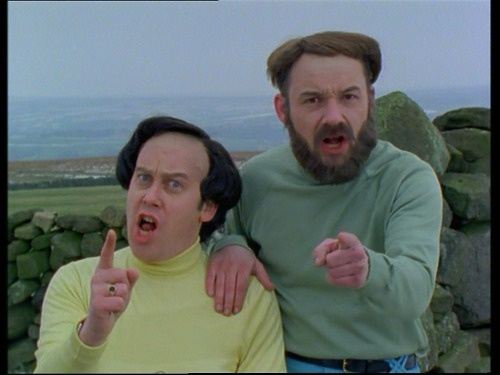 Vic Reeves and Bob Mortimer as Mulligan & O'Hare in The Smell of Reeves and Mortimer :D