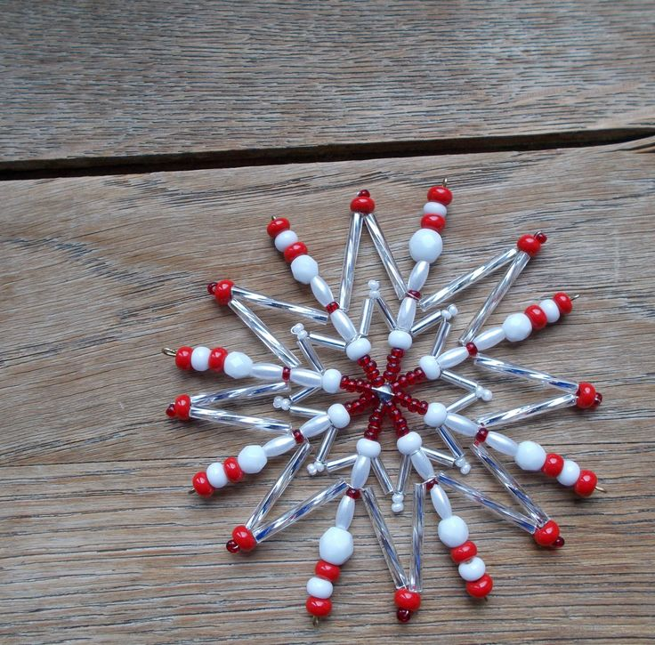 Korálková hvězda - červeno bílo Stříbrná - Star