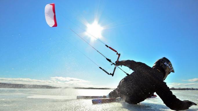 Le kitesurf : l'activité incontournable de l'hiver
