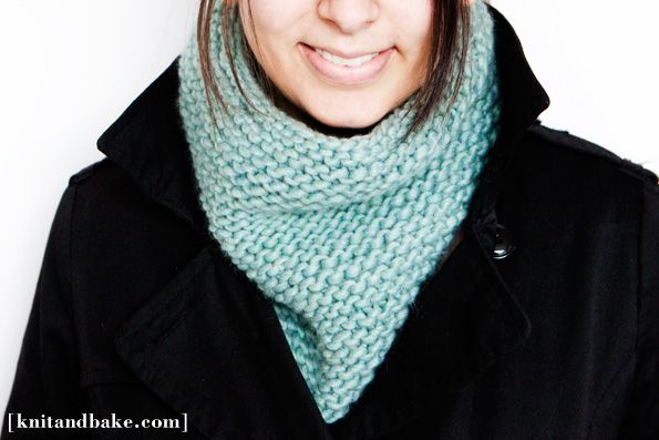 Turquoise Garter Stitch Cowl Knitting Pattern