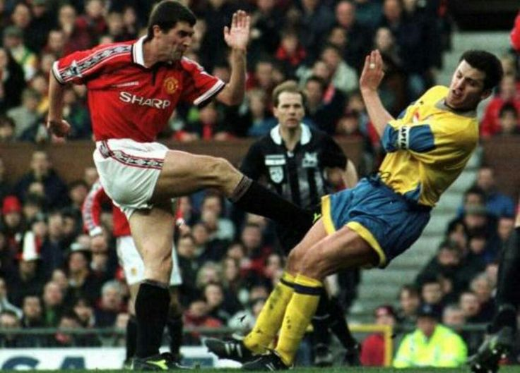 Man Utd 2 Southampton 1 in Feb 1999 at Old Trafford. Captain Roy Keane opened the scoring #Prem