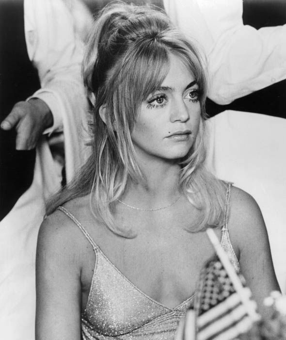 A young Goldie Hawn during a scene of 1975 film 'Shampoo'