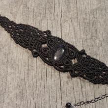 Micrame - Črna zapestnica s kamnom - modri pesek