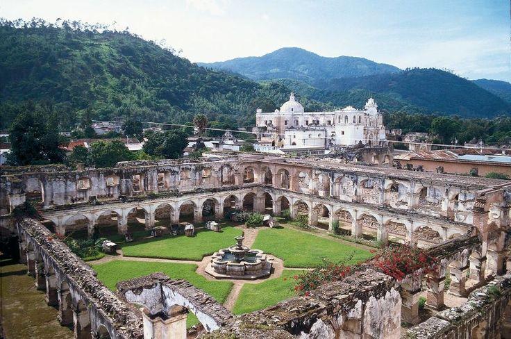 6.1-Antiqua Guatemala-nádherné koloniální město se spoustou památek a sopkou, v okolí jsou další 2