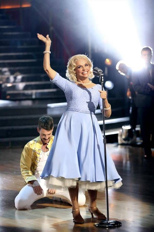 Dancing With the Stars 2013: Season 17, Week 3: Valerie Harper and Tristan MacManus - dressed as Grace Kelly for the dance, Valerie at 74 yrs. & battling terminal brain cancer is awesome.