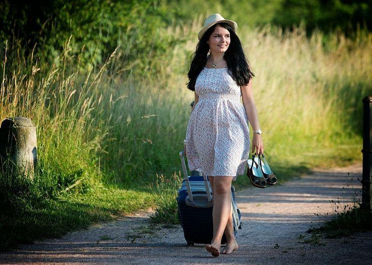 5 film tentang travelling diatas nggak cuma menampilkan berbagai pemandangan indah aja. Banyak diantaranya malah mengajari makna kehidupan dan kaya akan pelajaran hidup yang semestinya kita pelajari.......