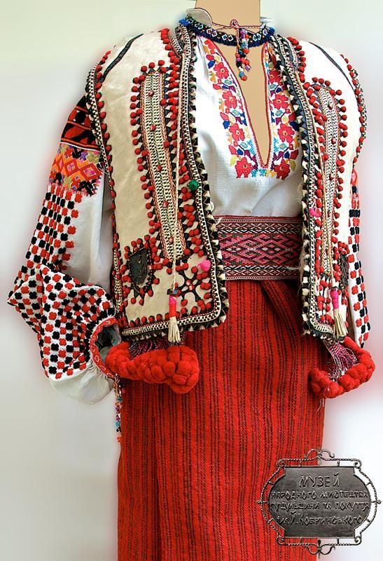#Ukrainian #embroidered #folk costume, Snyatin, Ukraine. Украинский народный…