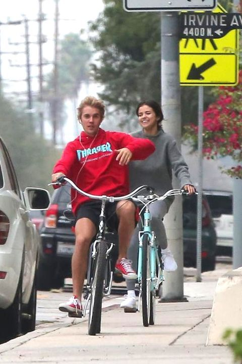 Justin Bieber And Selena Gomez Are Officially Back Together!