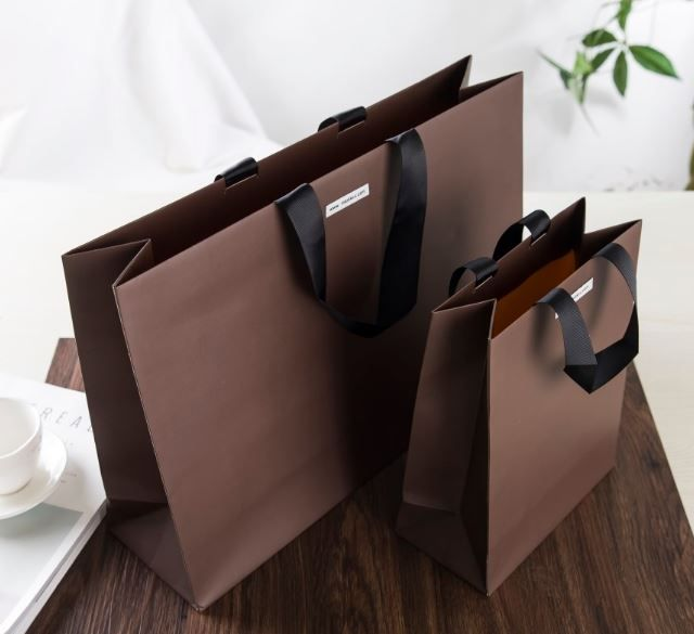 glossy brown paper carrier bag, luxury coating paper carrier bag, order made paper bag, high quality paper carrier bag