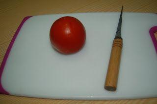 Arte de esculpir frutas e legumes: como fazer uma rosa de tomate