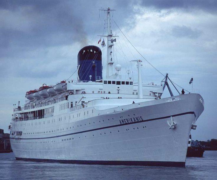 2ea92a4ff48ba34abaa5b51a3f46db3d--classic-boat-cruise-ships.jpg