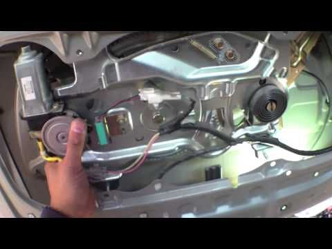 Diy how to replace install rear hatch handle 2002 toyota for 2002 toyota tundra rear window latch