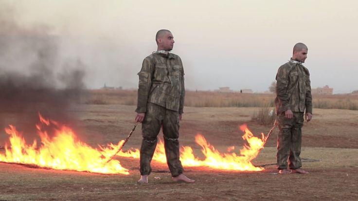 Les deux soldats turcs, peu de temps avant leur mise à mort