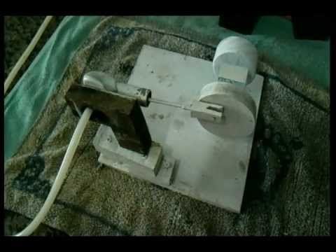 Este é o link para meu primeiro protótipo de motor a vapor em teste com ar comprimido. http://www.youtube.com/watch?v=Lu0f8EAKLDM