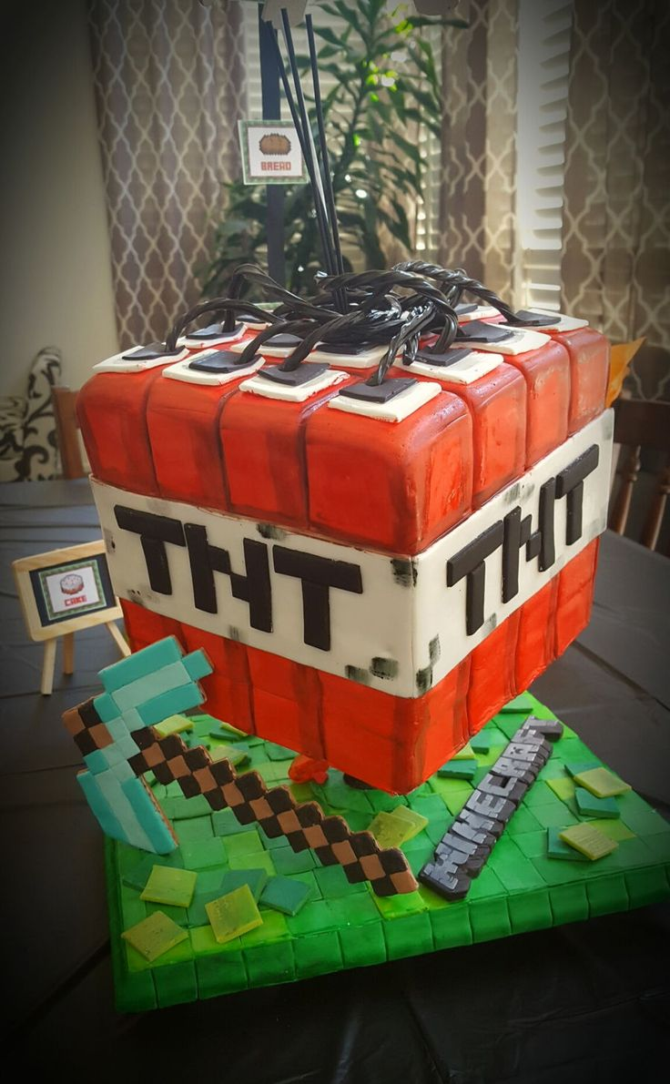 Minecraft Cakes A Collection Of Food And Drink Ideas To