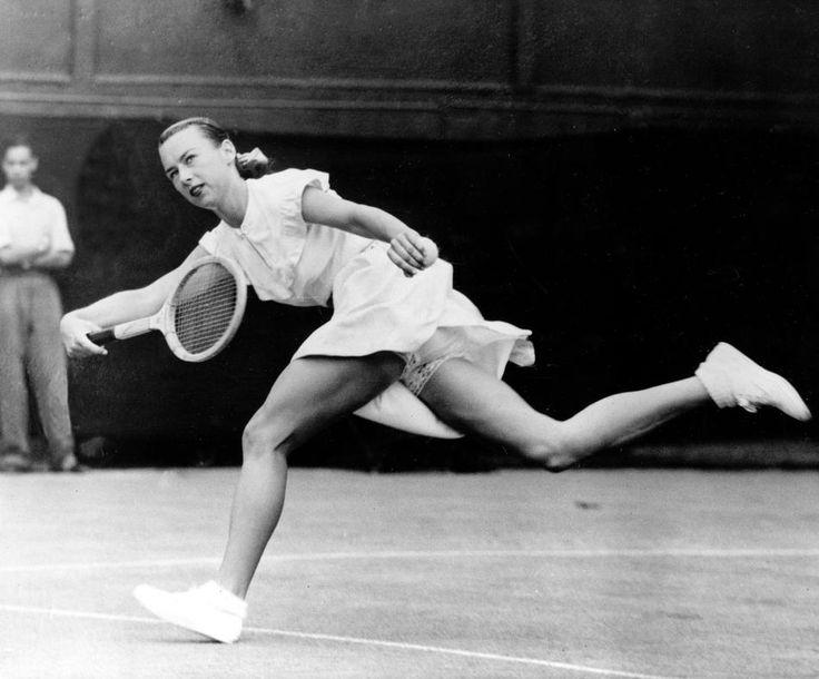 Un recorrido por la historia de los atuendos de tenis de mujeres.