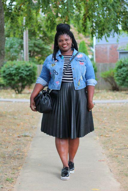 ecd1ca9a9 Mulher gordinha negra com saia preta
