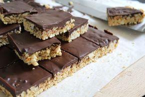 Zelf snickers maken || glutenvrije chocolade-pinda repen | Beginspiration
