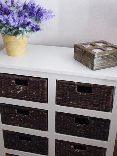 Decorar con madera y mimbre.    Mueble disponible en: www.starhabit.com