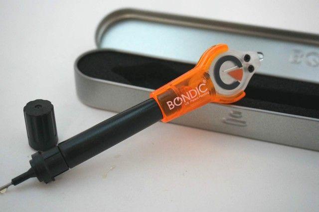 iPhoneケーブルも補修できるぞ!紫外線で硬化する液体プラスティック