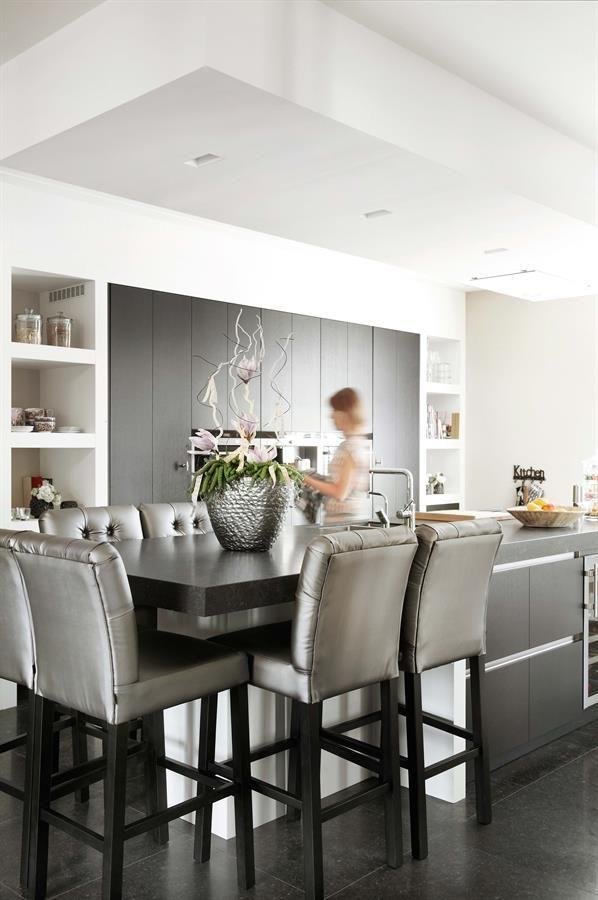 25 beste idee n over kookeiland tafel op pinterest keukeneetkamer hedendaagse keukens en - Foto eigentijdse keuken ...