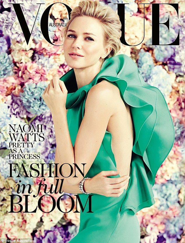 Cover girl: Naomi Watts sist op de Australische Vogue in ENL Prachtige smaragdgroene jurk