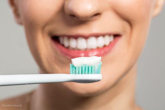 fogkrémek tesztje - legjobb: Dentalux Complex % Senstive plus (Lidl)