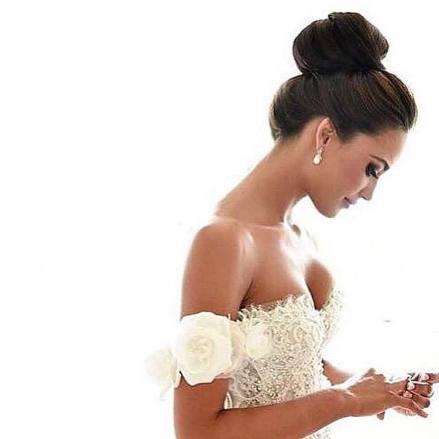 Linda! ❤️ Amamos coque alto! Via @dresses_gowns_fashion @dresses_gowns_fashion @dresses_gowns_fashion ❤️❤️
