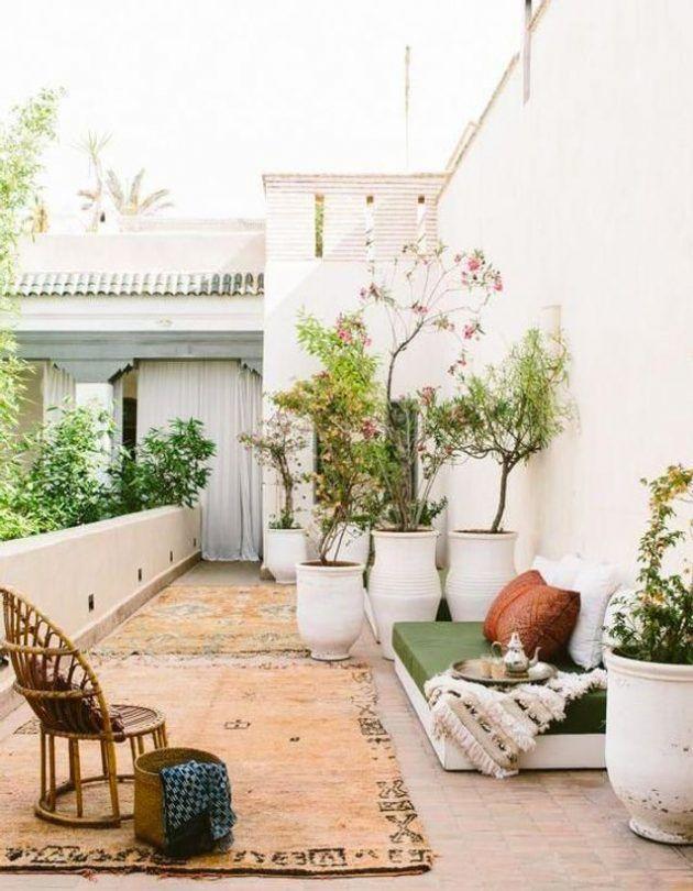 The Keys To A Bohemian Terrace In 2020 Patio Outdoor Decor Outdoor