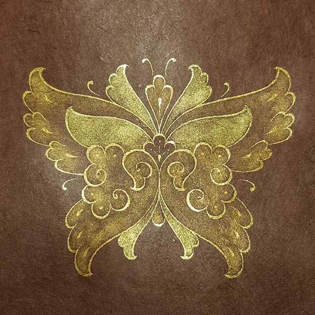 Butterfly #goldflowers #gilding #artdesigns #finearts #artgallery #classicarts #painting #tezhip #ornamentation #goldleaf #islamicarts