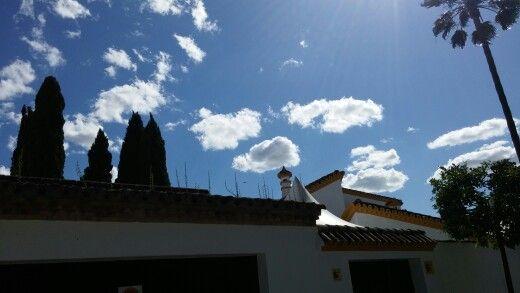 Valencina, bonita tarde con nubes